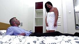 МІЛФ ноги в штанях гаряча еротика мами