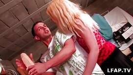 Лікар знищує пацієнта порно мама з сином аналом.