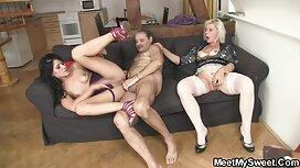 російські жінки порно мама з сином Голі в нічному клубі