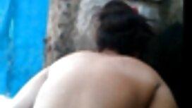 Секс з мокрою латиноамериканкою у ванній син трахае маму
