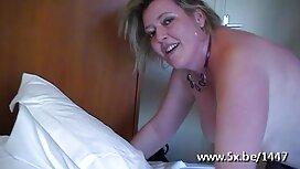 Грайте в порно з мами roi у ванній кімнаті